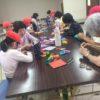8月6日に向けて折り鶴作り。西大冠小学校ランランオープンスクール